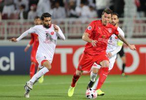 فوتبال ایران را گروهی دلال اداره میکنند