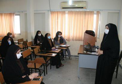 بازدید مدیرکل بانوان مازندران از دوره آموزشی طرح بازاریابی دیجیتال در جهاد دانشگاهی