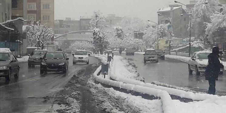 نفوذ سامانه سرد بارش و برف در مناطق ساحلی و جلگه ای