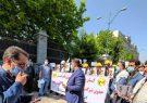 تجمع کارکنان شرکت توزیع برق مقابل مجلس/ مطالبه لغو آزمون استخدامی و همسازان سازی حقوق